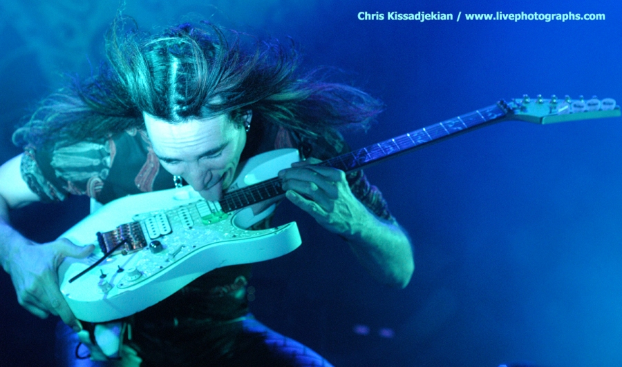 ONE BY ONE EXCERPTS: STEVIE VAI (29-11-1999)