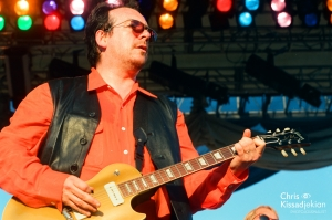 ELVIS COSTELLO & The Attractions – Elvis is back!